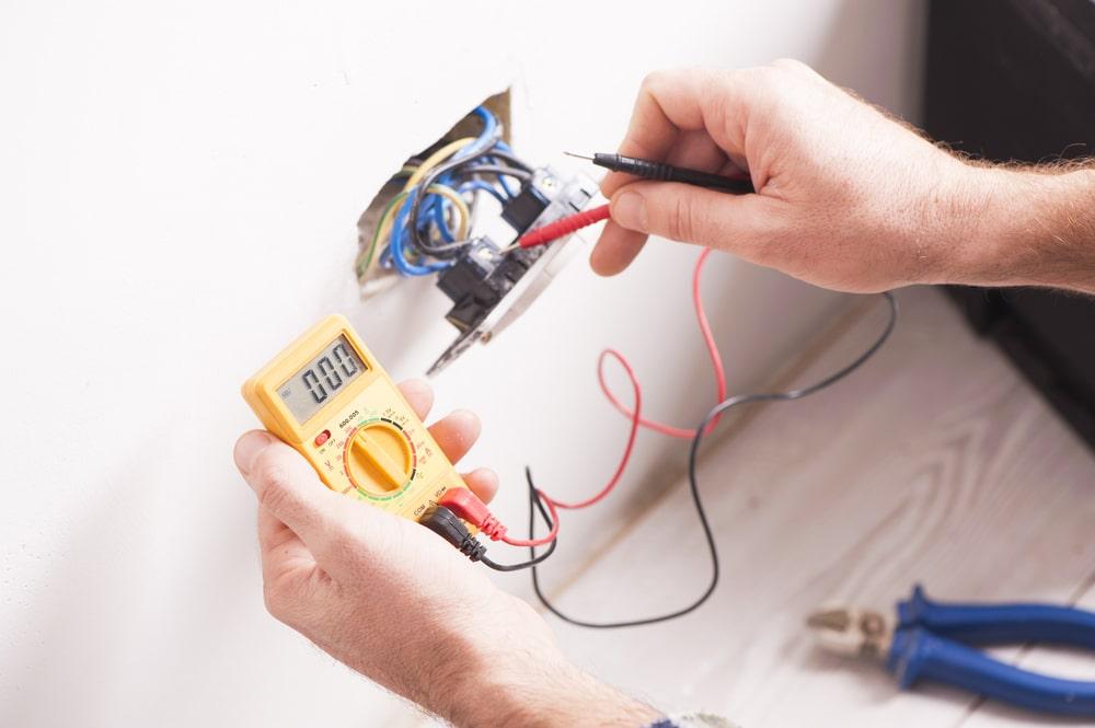 Elettricista per clienti privati